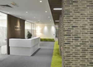 office-enjoying_2